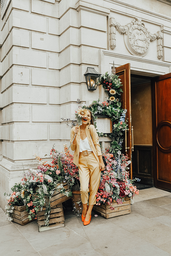 mustard-yellow-suit-fashion-blogger-london-mango-rafia-belt-6