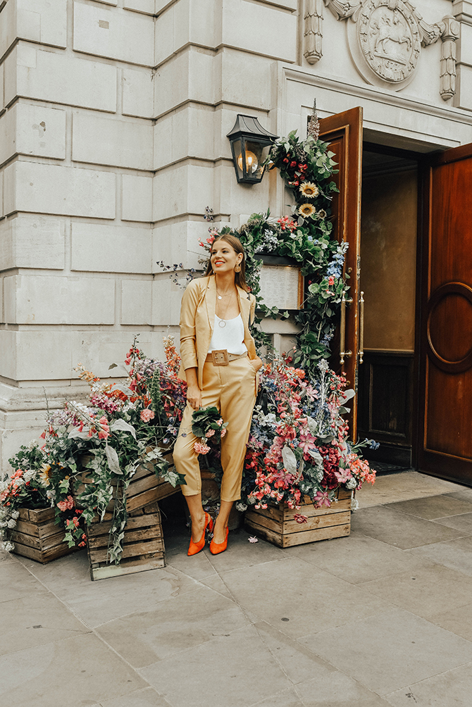 mustard-yellow-suit-fashion-blogger-london-mango-rafia-belt