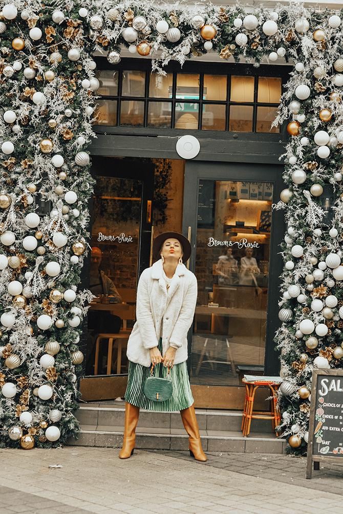 how-to-wear-emerald-green-skirt-fashion-blogger-london-7
