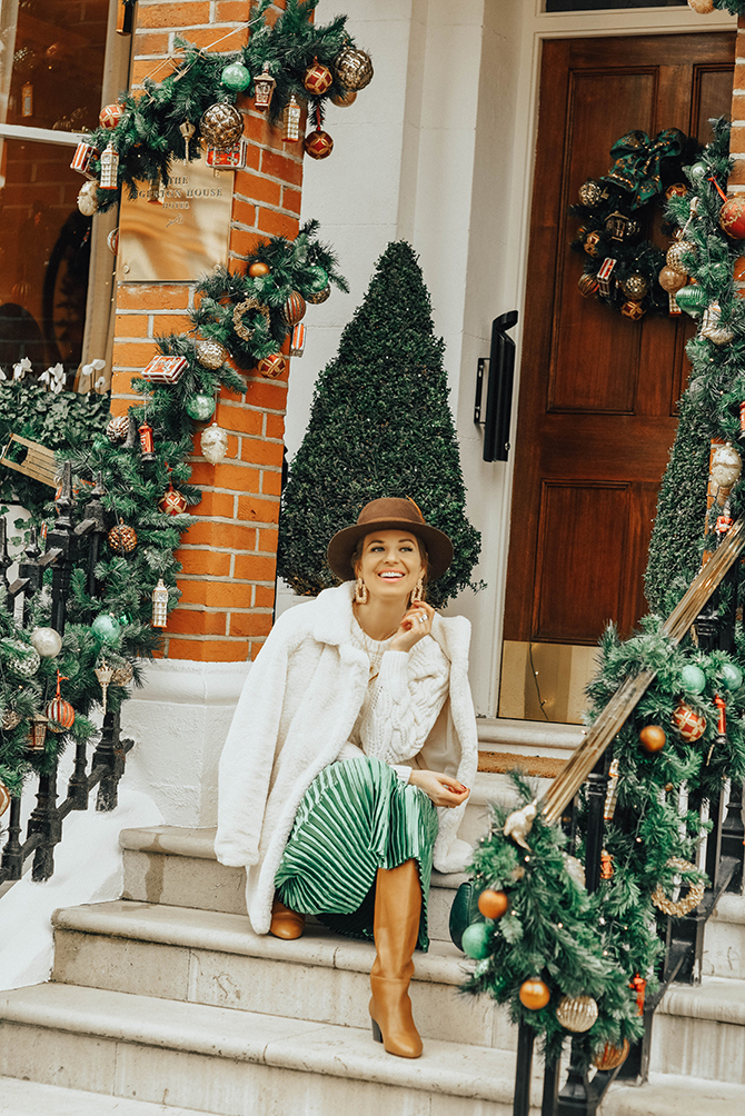 how-to-wear-emerald-green-skirt-fashion-blogger-london
