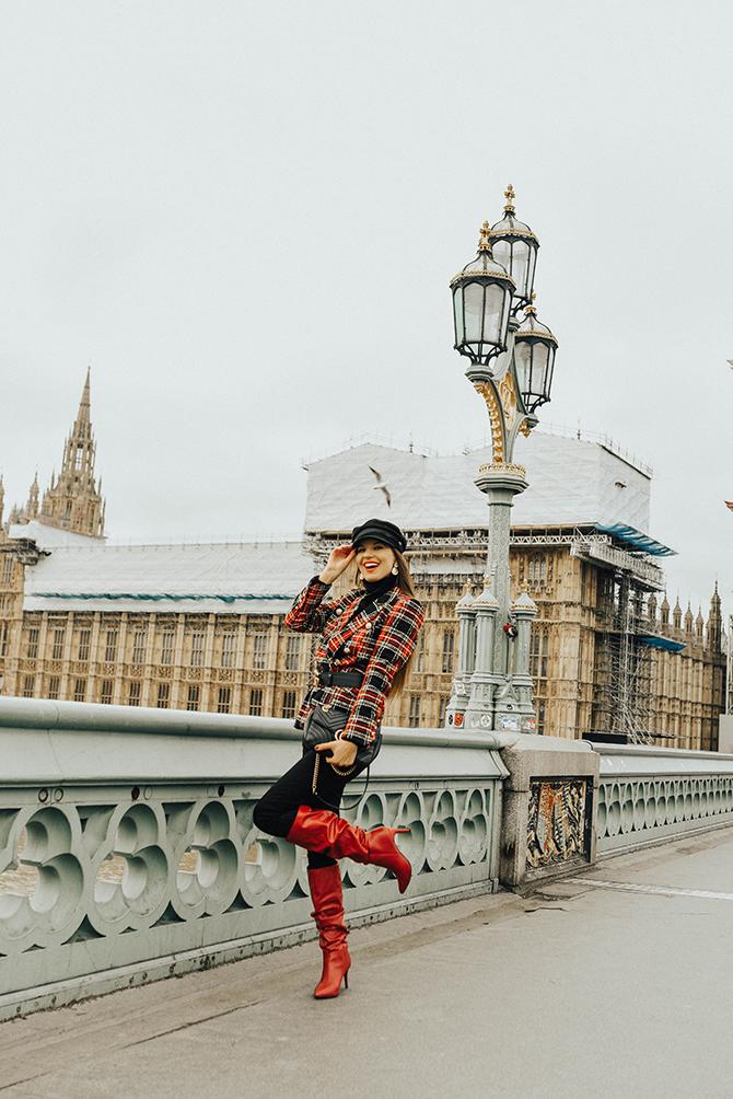 how-to-wear-tartan-blazer-gucci-handbag-good-american-jeans-baker-hat-fashion-blogger-london-6