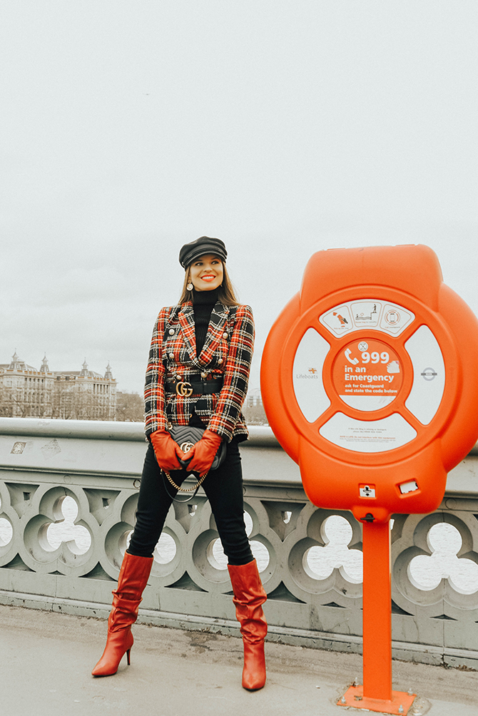 how-to-wear-tartan-blazer-gucci-handbag-good-american-jeans-baker-hat-fashion-blogger-london-8