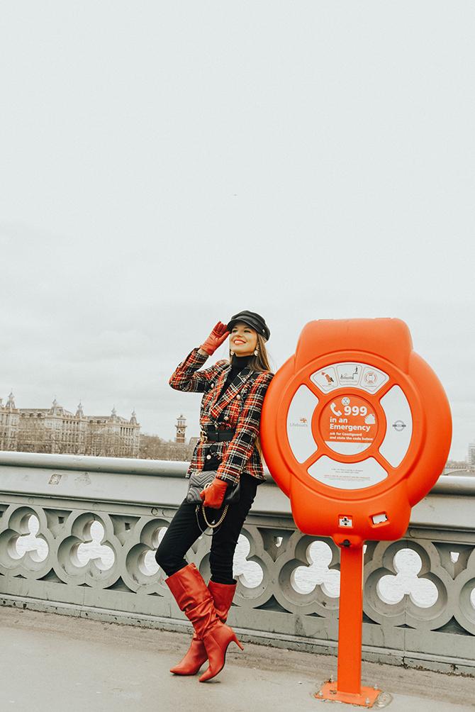 how-to-wear-tartan-blazer-gucci-handbag-good-american-jeans-baker-hat-fashion-blogger-london-9