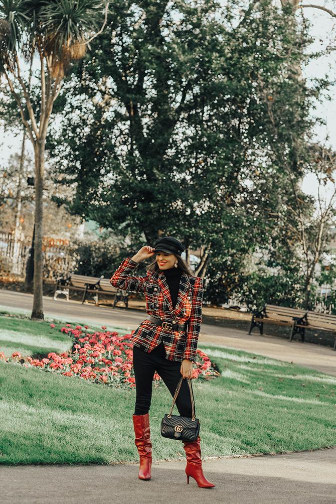 how-to-wear-tartan-blazer-gucci-handbag-good-american-jeans-baker-hat-fashion-blogger-london