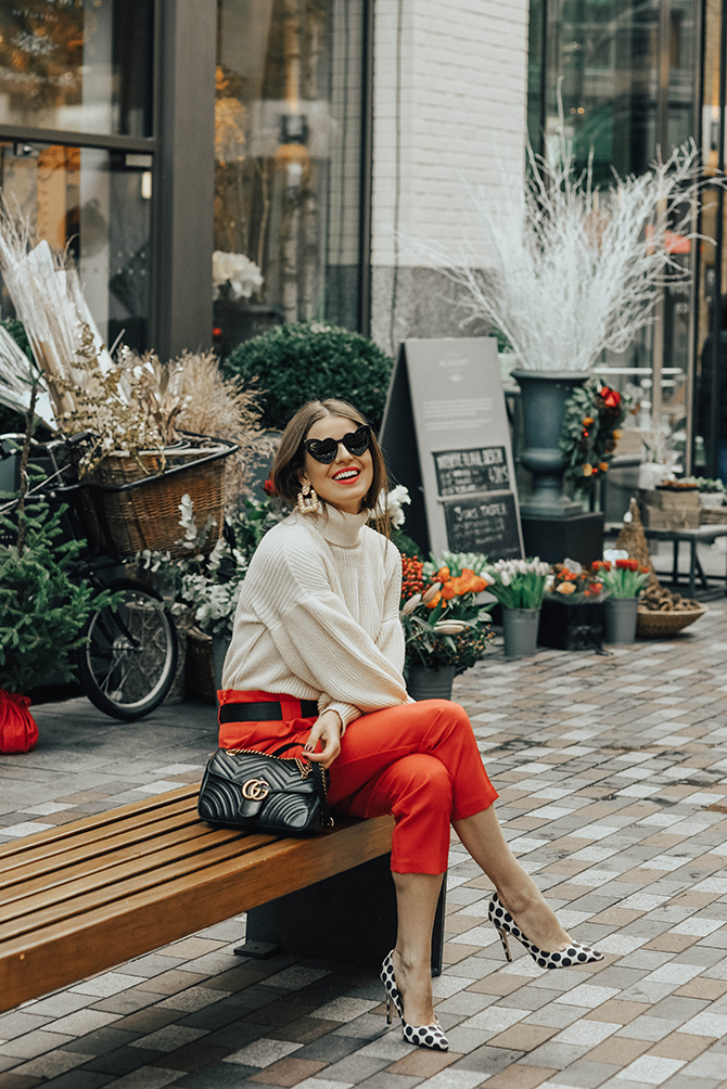 red-trousers-outfit-gucci-marmomt-belt-bag-loulou-sunglasses-3