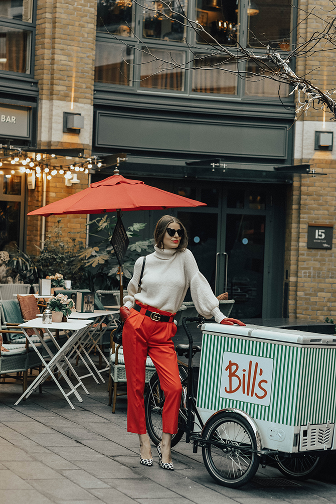red-trousers-outfit-gucci-marmomt-belt-bag-loulou-sunglasses-4