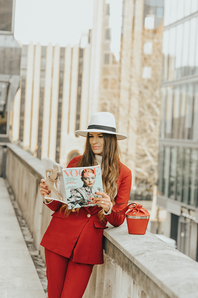 f4c7b917c9799 red-power-suit-women-fashion-blogger-london-5