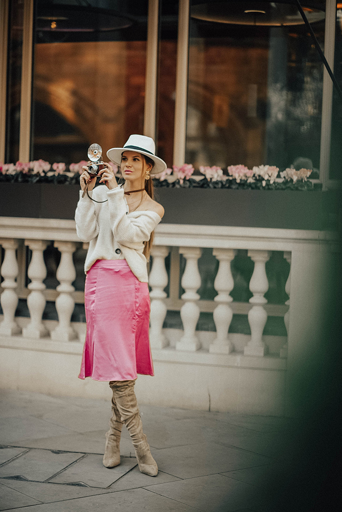 fashion-trends-2019-slip-satin-skirt-fashion-blogger-london