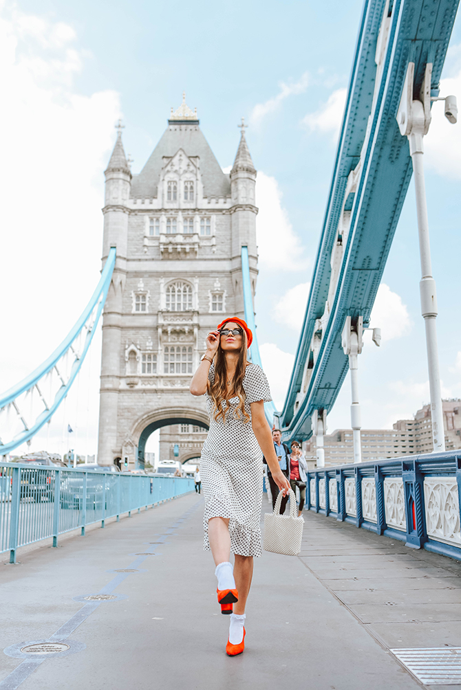 polka-dot-dress-red-beret-fashion-blogger-london-tower-bridge