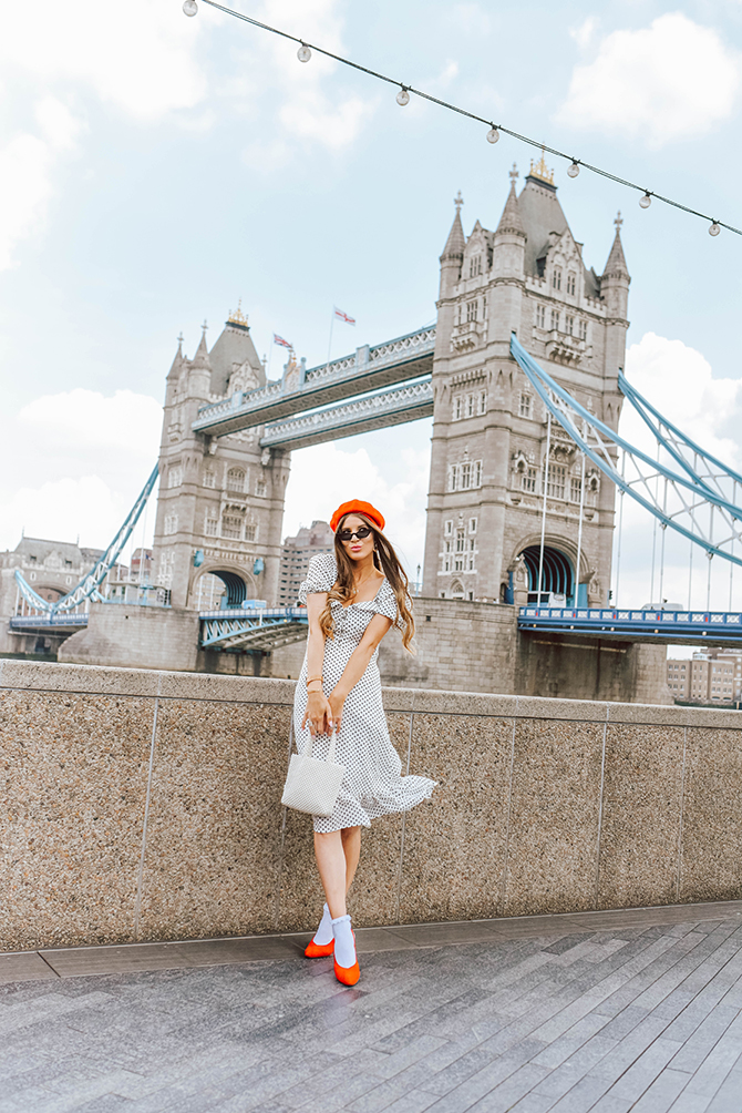 polka-dot-dress-red-beret-onecklace-fashion-blogger-london-tower-bridge
