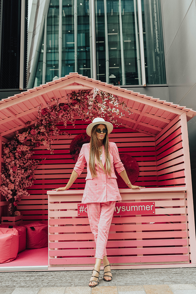 check-suit-pink-boohoo-fashion-blogger-london-fedora-hat-2