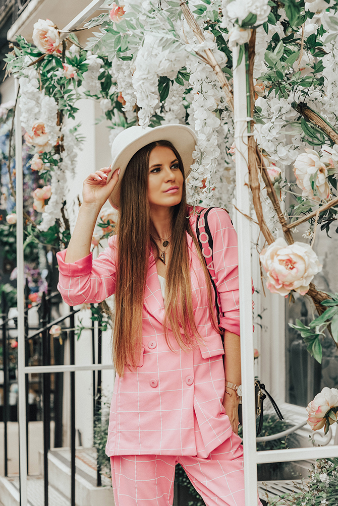 check-suit-pink-boohoo-fashion-blogger-london-fedora-hat-6