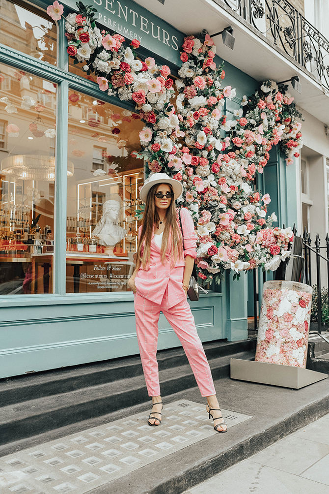 check-suit-pink-boohoo-fashion-blogger-london-fedora-hat-7