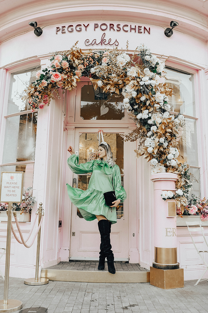 most-instagrammable-place-victoria-station-belgravia-peggy-porschen-sister-jane-dress-2