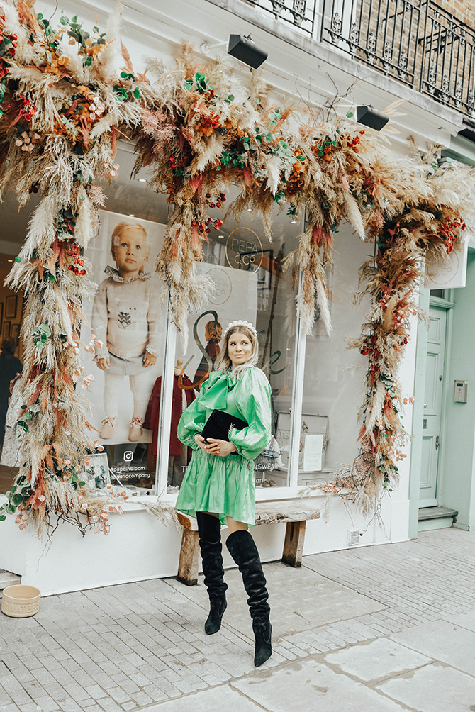 most-instagrammable-place-victoria-station-belgravia-sister-jane-dress-2