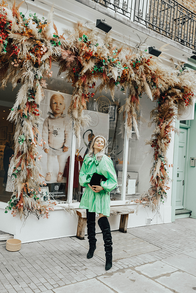 most-instagrammable-place-victoria-station-belgravia-sister-jane-dress