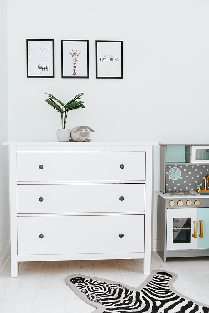 kids-bedroom-nursery-ideas-kids-kitchen-ikea-hemnes-drawers-amara-living-zebra-rug
