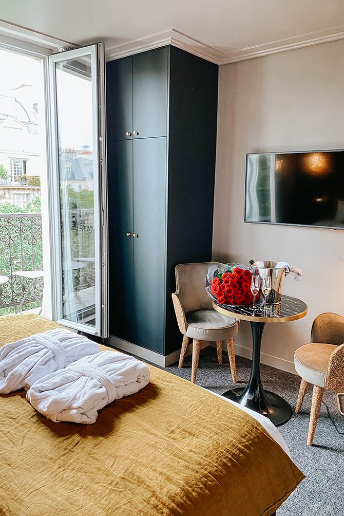 rayz-eiffel-hotel-paris-terrace-eiffel-view-review-blogger-3