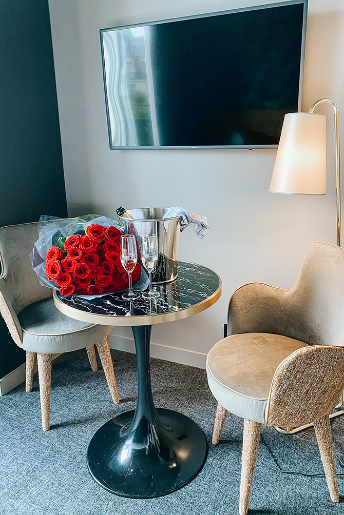 rayz-eiffel-hotel-paris-terrace-eiffel-view-review-blogger-4